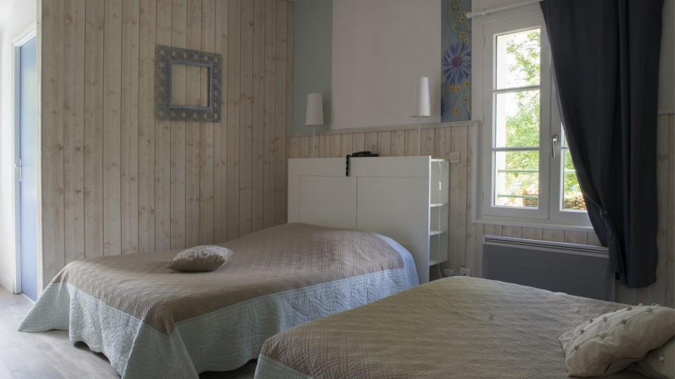 Hotel-Marais-Poitevin-Maison-Flore-Bleuet-1