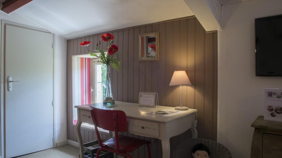 Hotel-Marais-Poitevin-Maison-Flore-Coquelicot-3