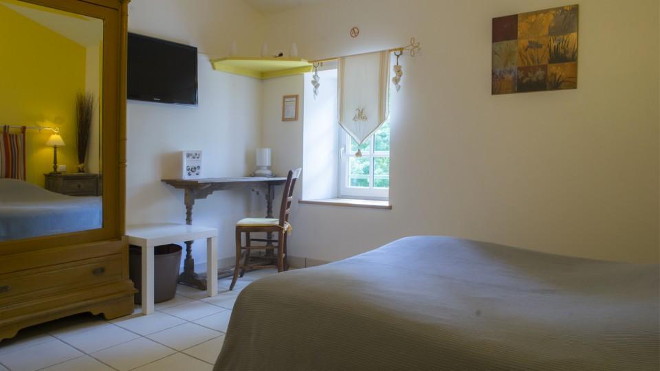 Hotel-Marais-Poitevin-Maison-Flore-Iris-1